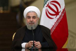 presidente Rouhani fica enfraquecido com a crescente intensificação da pressão americana sobre o Irã
