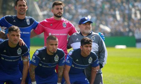diego maradona tecnico la plata estreia com derrota