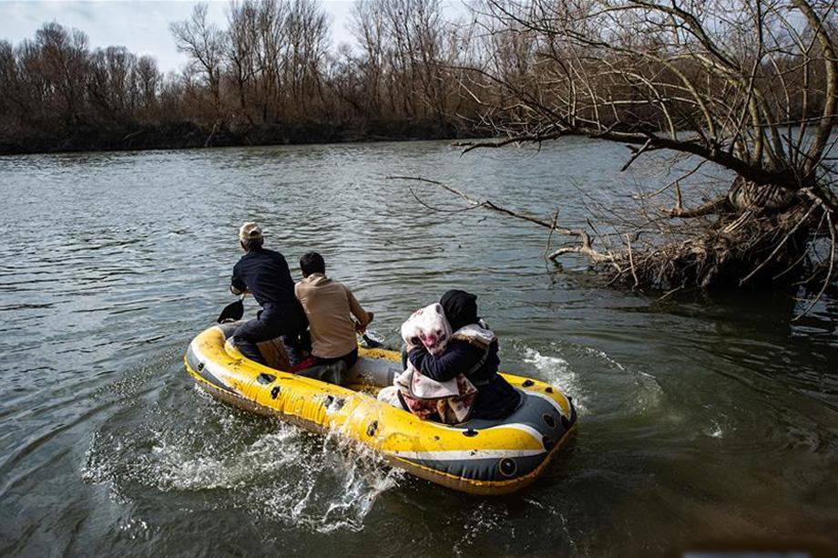 imigrantes ilegais vindo da turquia para europa